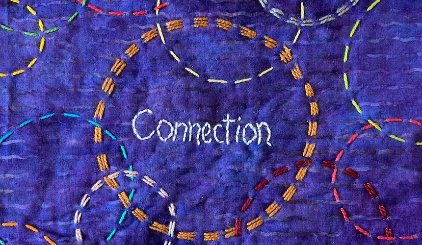 Interlocking circles, different sizes and colors - Connections